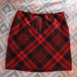 AK Anne Klein Size 14 Wool Red & Black Plaid Skirt